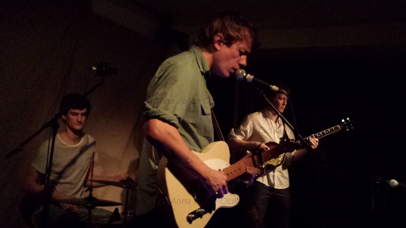 Steve Gunn with Erik Heestermans (drums) and Tommy DenNys (bass) @Cafe oto, London, November 2014 ©Anna Bajor-Ciciliati