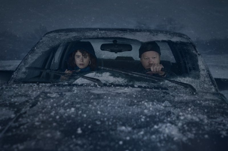 Jessie Buckley as Young Woman and Jesse Plemons as Jake in I'm Thinking Of Ending Things. Cr. Mary Cybulski/NETFLIX © 2020